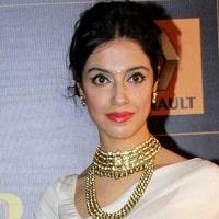 Divya Khosla Kumar - Satyameva Jayate 2 Cast